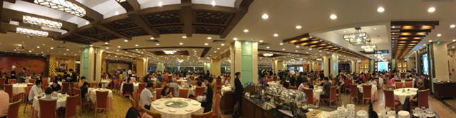 深セン・福田の「鳳凰樓」。100卓以上はあるのに朝9時には満席になってしまう人気店