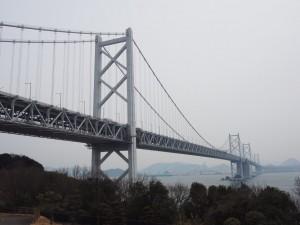 瀬戸大橋途中のSAから撮影。こんなにデカくて高いとは…。圧倒されました