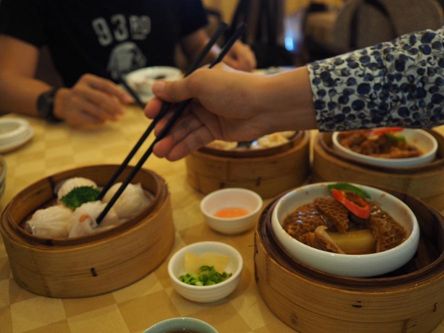 これは広東省珠海のレストランでの朝食。エビ入りの小龍包はどこで食べてもおいしいと思いました。