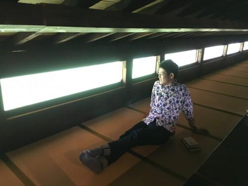 2階のくつろぎスペース。畳から外を眺めると……