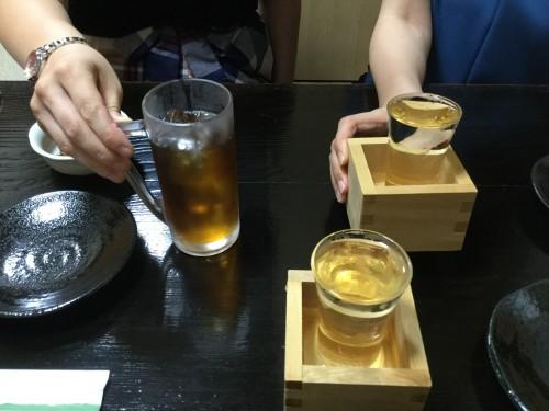 終了後、チーママ2人と別の居酒屋で打ち上げ。埼玉の銘酒「神亀」が最高においしく感じました。
