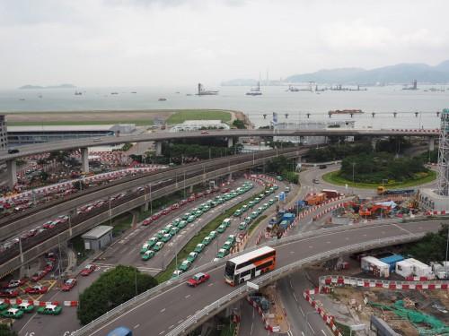 最終日は香港空港に早めに行ってのんびりしました。スカイデッキからの風景。刺激と郷愁を同時に感じられる香港、また来年来るよ!