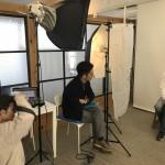 ポートレート大宮の撮影風景。インタビュー後に撮影に入りますが、撮影中も僕がしつこくインタビューしちゃいます!(撮影:Kさん)