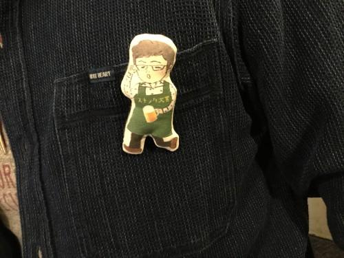 渡辺さんには布製のふかふかバッチ(非売品。小林まりも作)を進呈しました。感謝!