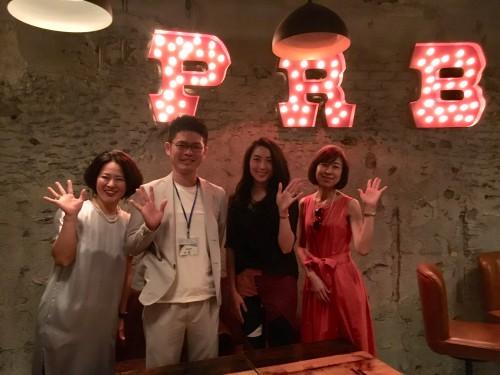 左から岡本さん、僕、宮本さん、田中さん。優しくて賢い美女との仕事、大好きです!